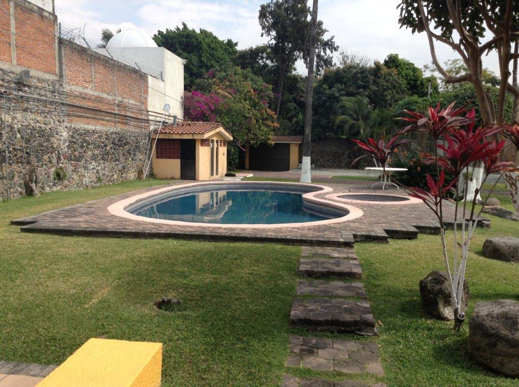 Jard n de bodas con hospedaje cuernavaca weekend cuernavaca for Jardines de casas quintas