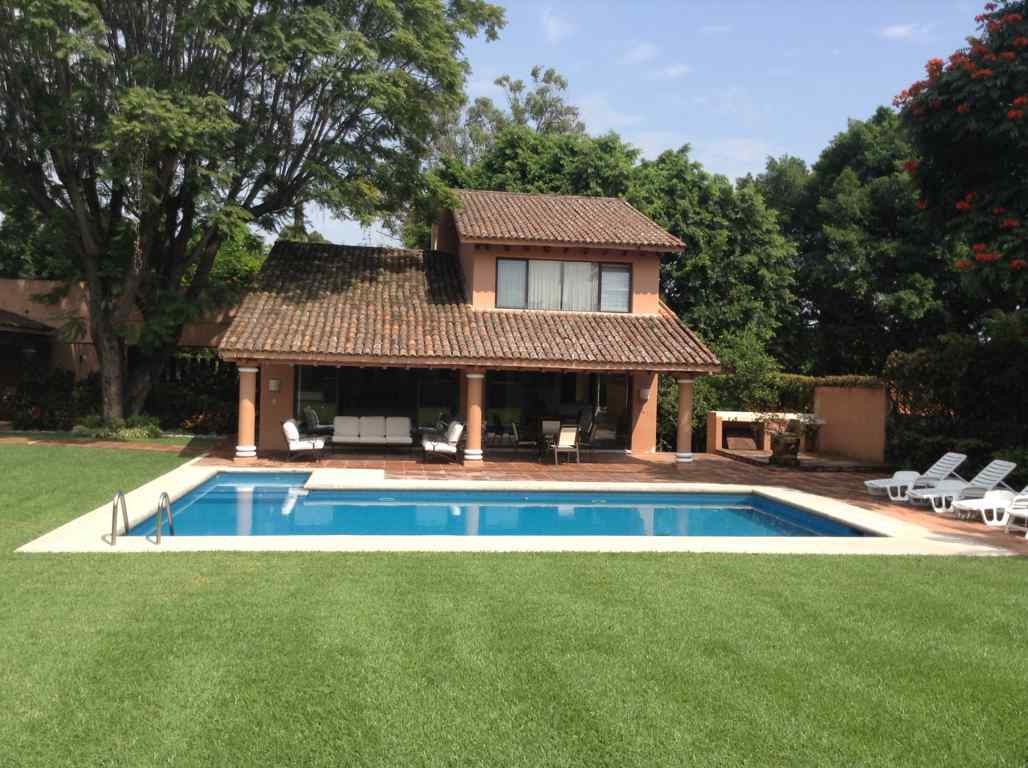 Casa vacacional renta viajes turisticos weekend cuernavaca for Casa de campo en sevilla para alquilar