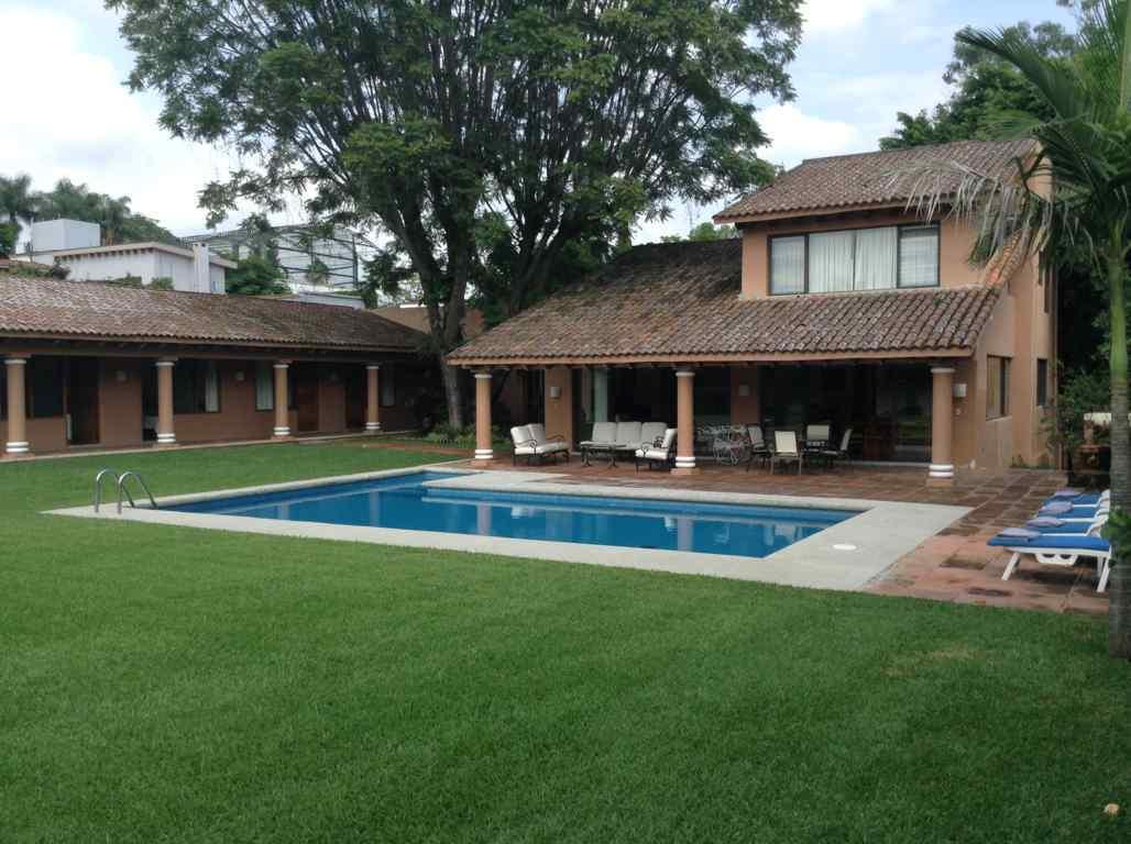 Casa vacacional renta viajes turisticos weekend cuernavaca for Renta casa minimalista cuernavaca